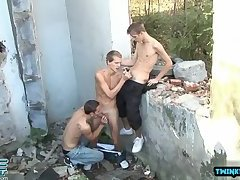 Outdoors,Threesome,Twinks,Blowjob,twink,gay Brunette twinks...