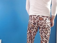 Twink (Gay);Amateur (Gay);HD Videos Legging leopard