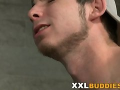 Anal,Cumshot,Big Cock,Twinks,Blowjob,shower,gay Hunk sucking on...